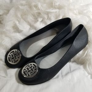 Fioni Black Ballet Flats Siver Medallion Womens 9W